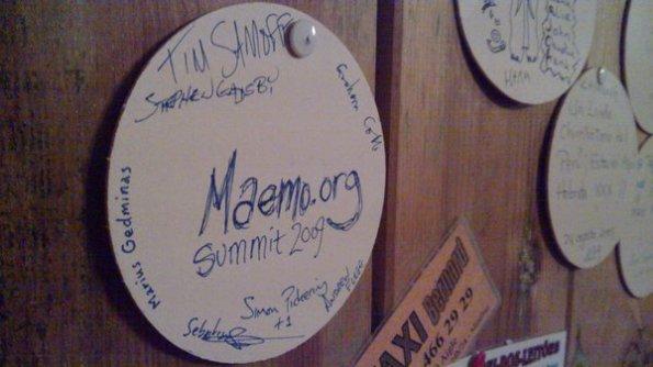 Marca deixada num restaurante de Amsterdam por alguns dos participantes ao final do evento. Marca da união dos membros da comunidade e da alta qualidade do evento. (foto de timsamoff, compartilhada pelo twitpic)